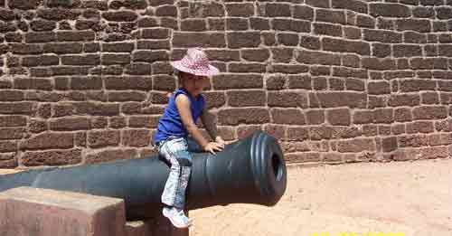 Visit Kannur Fort and Sightseeing
